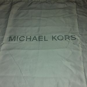 Michael Kors Dust cover